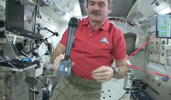 Preview thumbnail for video'Chris Hadfield On the Asteroid Threat