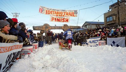 Facing Blizzards and Accidents, Iditarod's First Woman Champion Libby Riddles Persisted