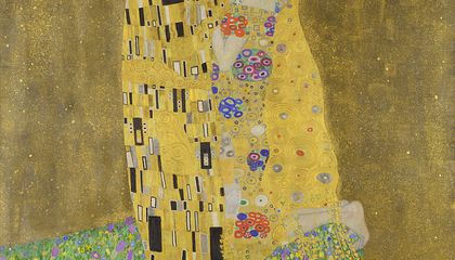 "Reach Out And Touch This Version of Klimt's ""Kiss"""