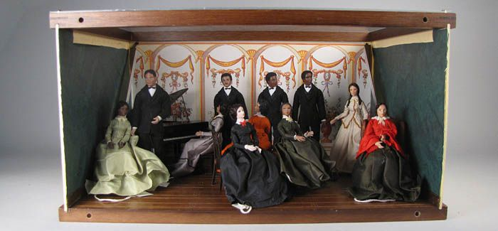 Diorama of singers on a small stage