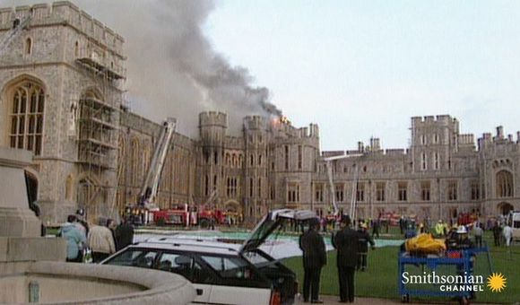 Preview thumbnail for video'How a Fire Opened Buckingham Palace Up to the Public