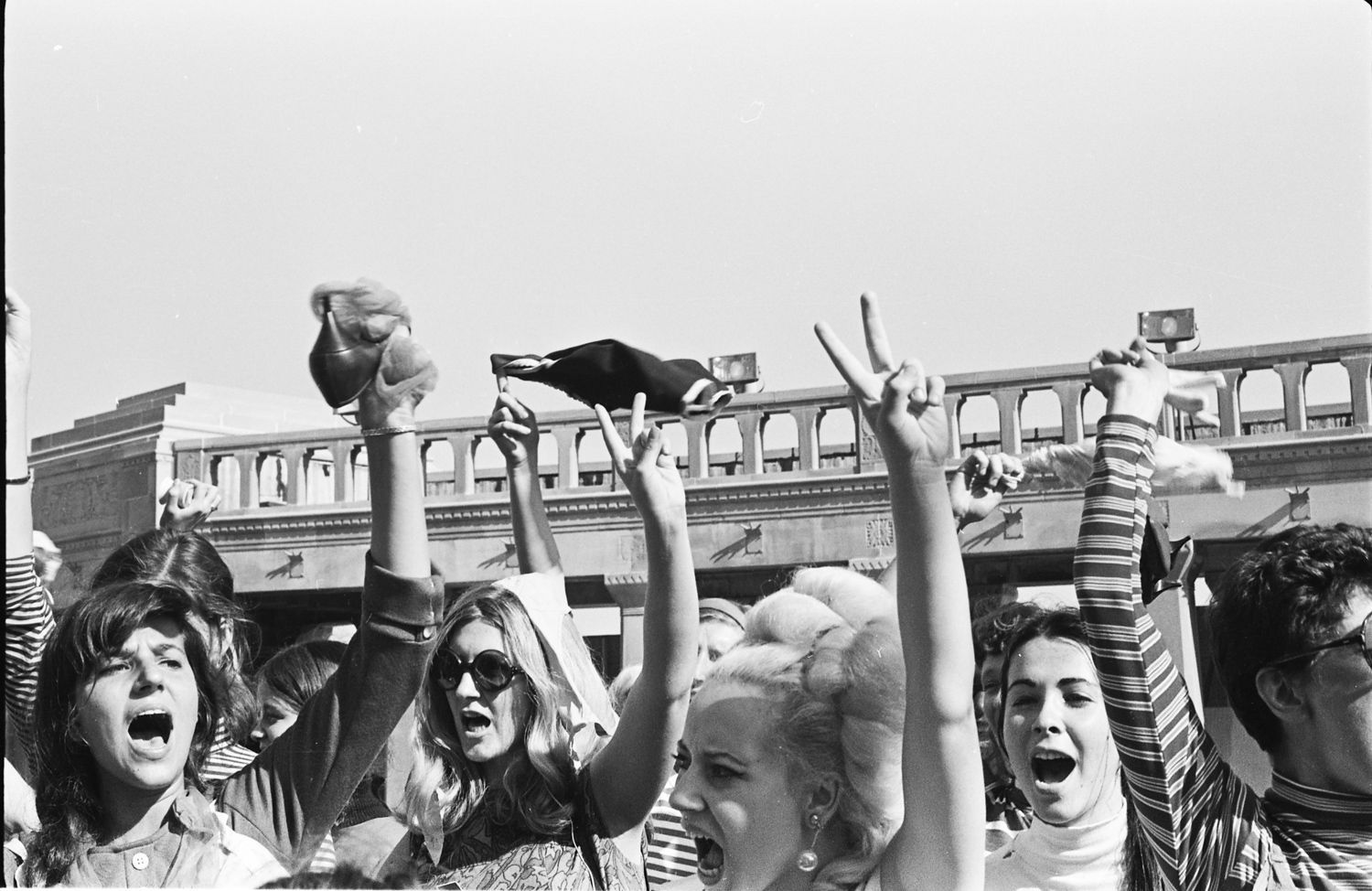 Girls in bikinis protest trump Fifty Years Ago Protesters Took On The Miss America Pageant And Electrified The Feminist Movement History Smithsonian Magazine