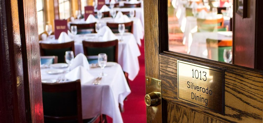 Dining room aboard the Napa Valley Wine Train. Credit: Napa Valley Wine Train