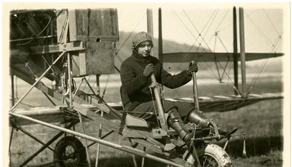 This Ace Aviatrix Learned to Fly Even Though Orville Wright Refused to Teach Her