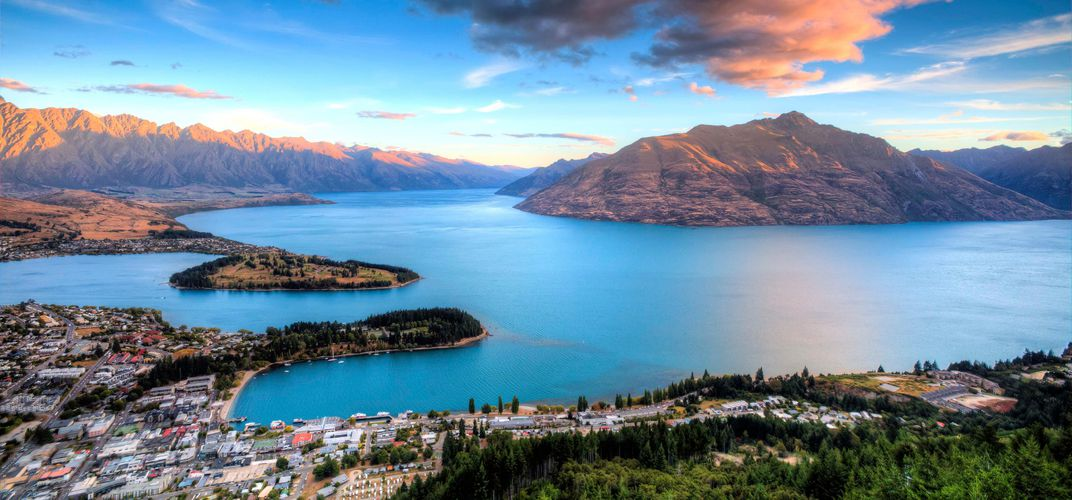 Landscape of Queenstown and Lake Wakatipu