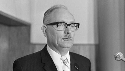 Johan van Hulst, Who Helped Save Hundreds of Children During the Holocaust, Has Died at 107
