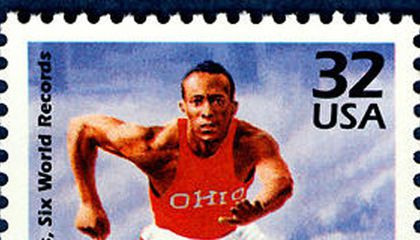 Jesse Owens Wins his First Gold