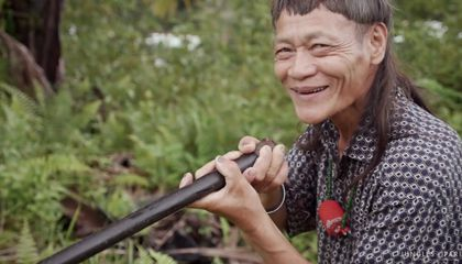Meet One of the Last Bornean Elders Who Still Makes Traditional Poison Dart Blowpipes