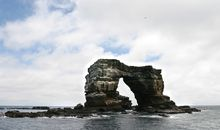 Iconic Darwin's Arch Crumbles Into the Ocean