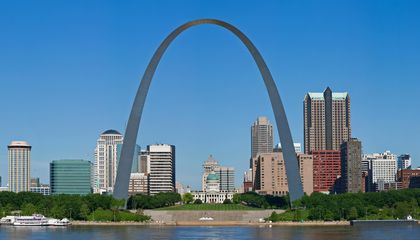 The Twisted History of the Gateway Arch