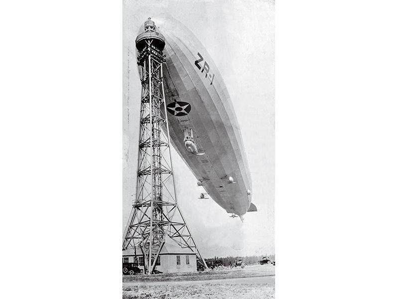 Shenandoah blimp docked to mooring mast