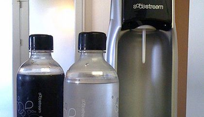 DIY Carbonation: The Fizz Biz Lifts Off