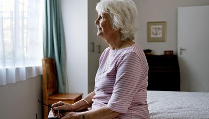 Using Virtual Reality To Walk in the Shoes of Someone With Alzheimer's
