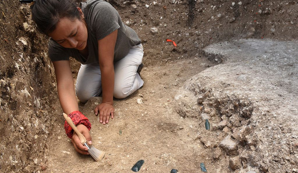 Archaeologist and co-author Melina Garcia excavates part of the Aguada Fénix site.
