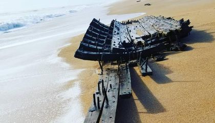 Centuries-Old Shipwreck Washes Up in Florida