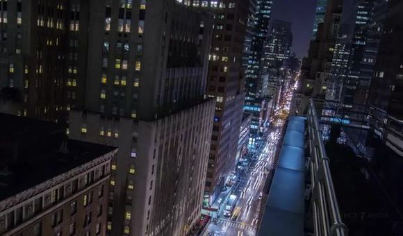 Preview thumbnail for video'Stunning Timelapse of Bustling Midtown Manhattan