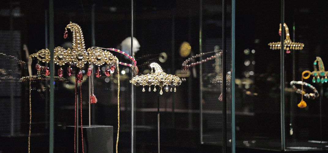Caption: Indian Jewels Swiped From Venice Museum