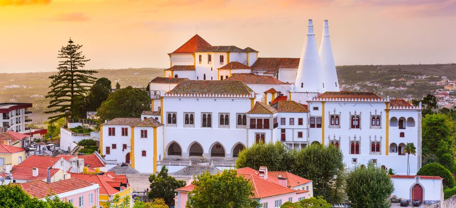 Tailor-Made Portugal <p>This itinerary provides a great introduction to Portugal&#39;s diverse offerings, from the excellent wines of northern Portugal to the cosmopolitan buzz of Lisbon, to the impeccably preserved history of &Eacute;vora.</p>