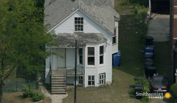 Preview thumbnail for video'Which Famous Music Icons Lived in These Chicago Homes?
