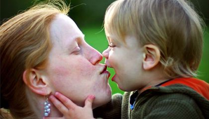 10 Things Science Says About Being A Mom In 2014