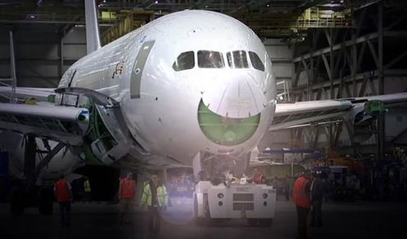 Preview thumbnail for video'787: Game-Changing Innovation
