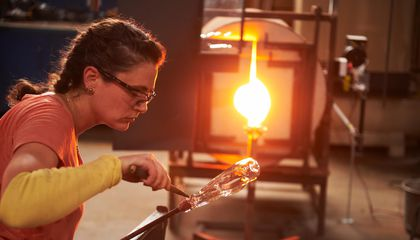 The Spectacle and Drama of Netflix's New Glassblowing Show Will Shatter Your Expectations