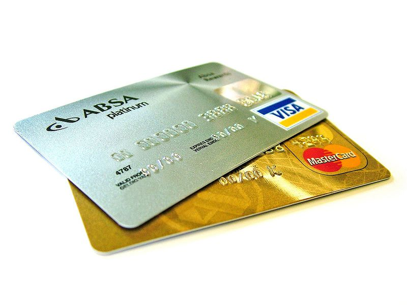 1024px-Credit-cards.jpg