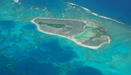 This Pacific Island Is Both Sinking and Growing
