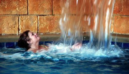 There's an Actual Scientific Reason Not to Pee in the Pool