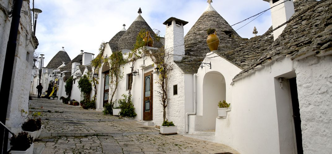 <i>Trulli</i> houses of Alberobello