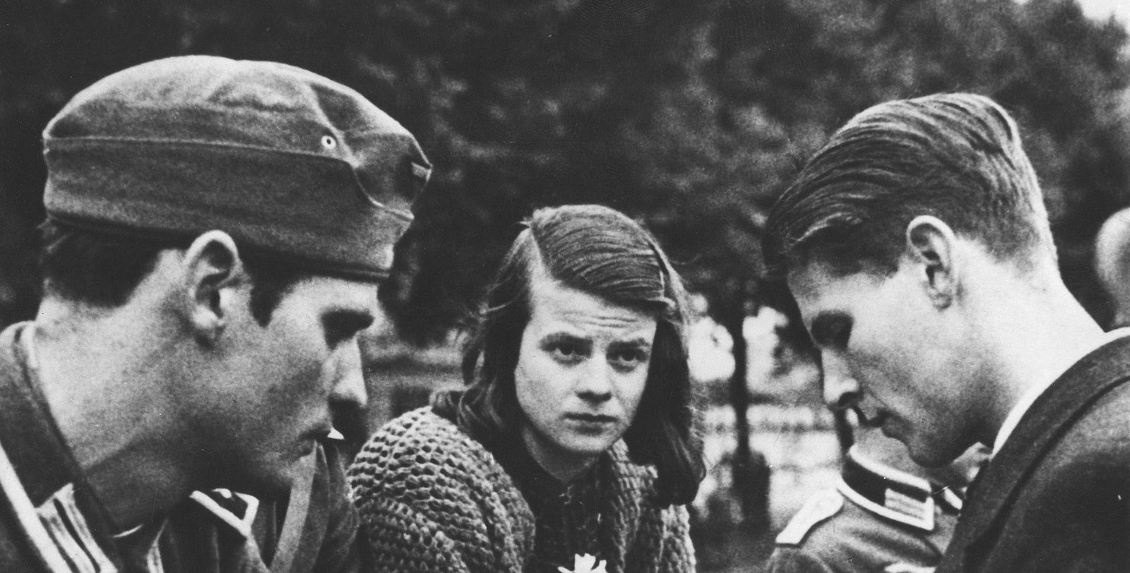 The Secret Student Group That Stood Up to the Nazis | Smart