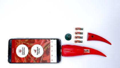 This Chili-Shaped Smartphone Accessory Can Measure a Pepper's Spiciness
