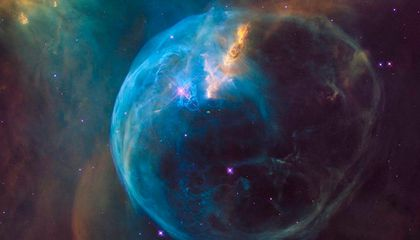 The Hubble Scoped This Space Bubble Just in Time For Its Birthday