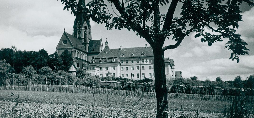 Caption: When a Bavarian Monastery Provided a Home to Jewish Refugees
