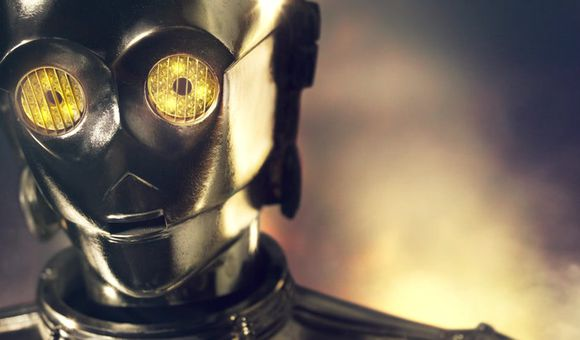 Preview thumbnail for video'Behind the scenes video of C-3PO photo shoot