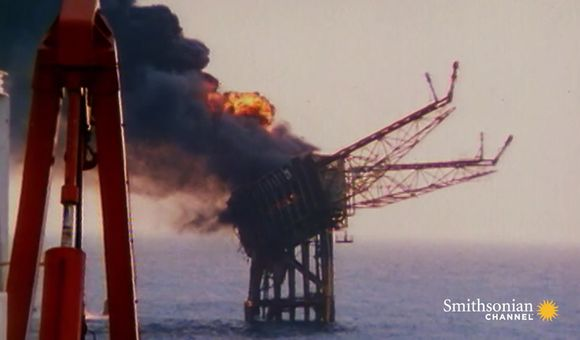 Preview thumbnail for video'What Caused the Giant Piper Alpha Oil Rig Explosion?