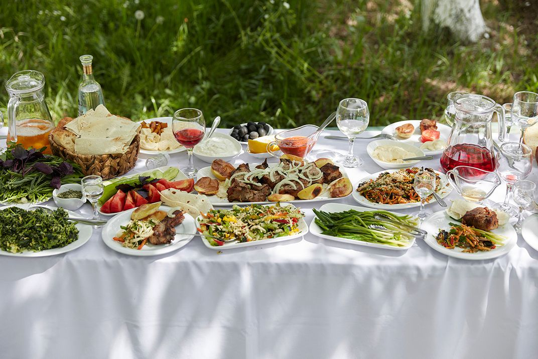A khorovats table spread