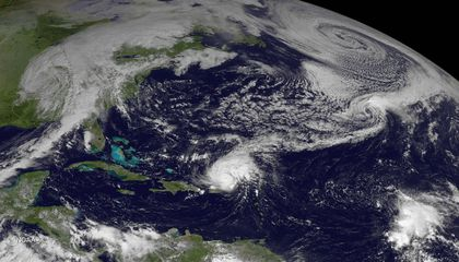 Living Bacteria Are Riding Earth's Air Currents