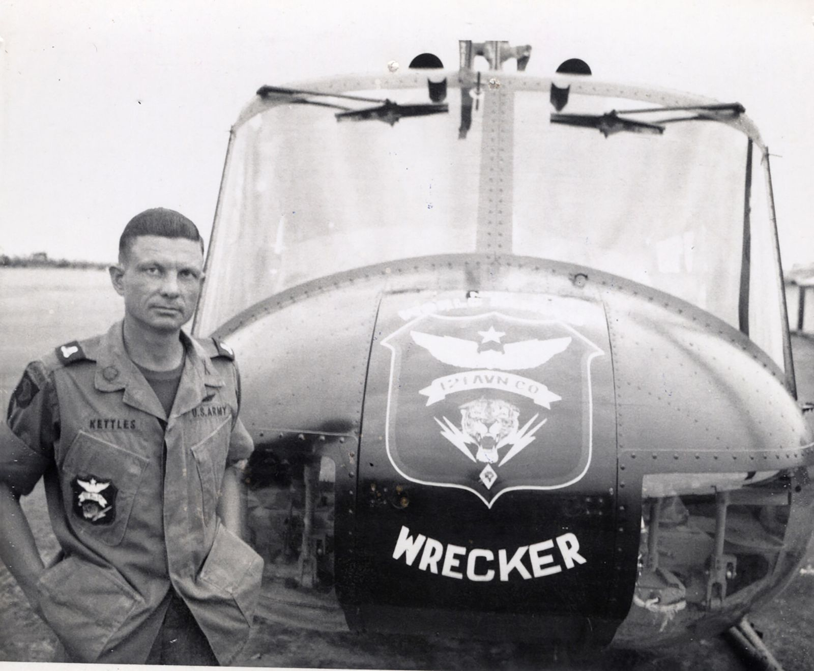 e63f6fdd12 Vietnam Helicopter Pilot Awarded Medal of Honor Almost 50 Years Later