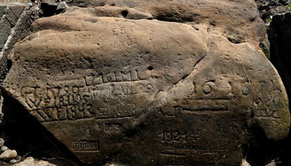 'Hunger Stones' With Ominous Messages Emerge in Drought-Parched Czech River
