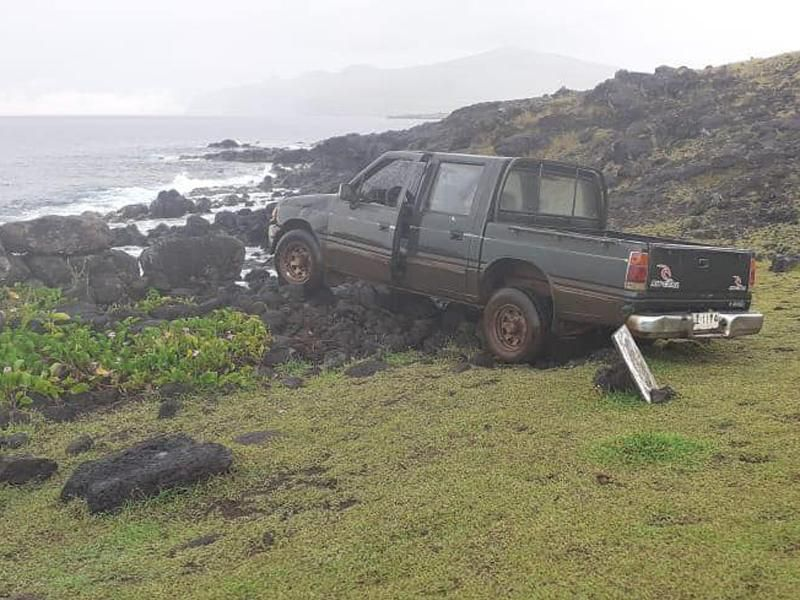 Pickup truck collided with moai statue