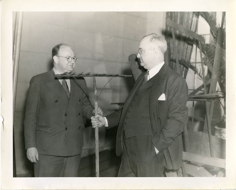 7be499e13b3 Science Service director Watson Davis (1896-1967) and General Motors  chemical engineer Thomas Midgley Jr. (1889-1944)
