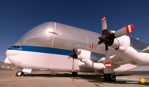 Preview thumbnail for video'NASA's Unusual Giant Air Cargo Transport Plane