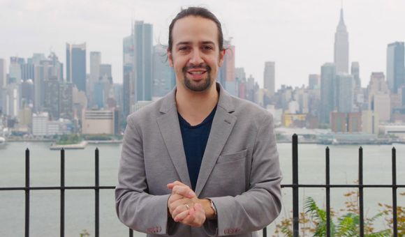 Preview thumbnail for video'Lin-Manuel Miranda Accepts the 2015 Smithsonian Ingenuity Award for History
