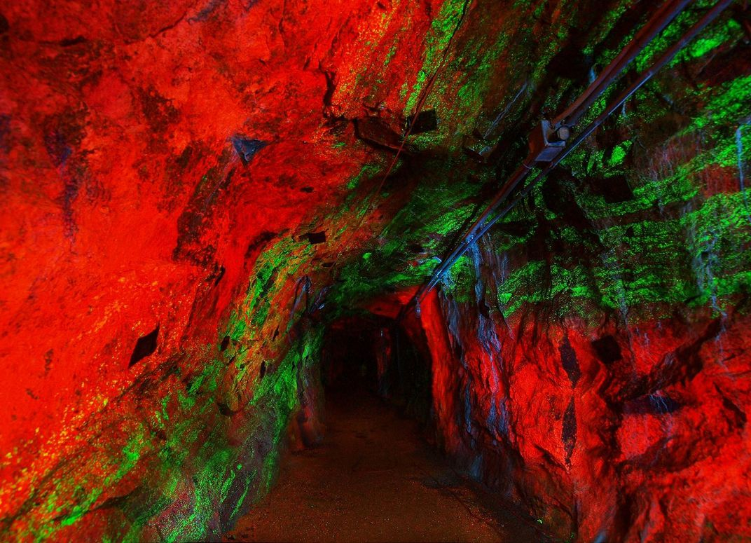 Follow This Rainbow Tunnel to the World's Largest Collection of Fluorescent Rocks April-may2010001_1