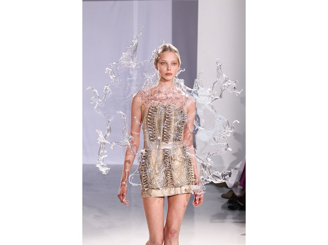 Iris Van Herpen Is Revolutionizing The Look And Tech Of Fashion Arts Culture Smithsonian Magazine