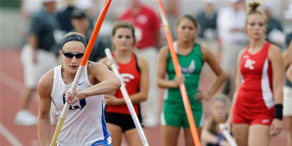 Blind teen is one of the best pole vaulters in Texas