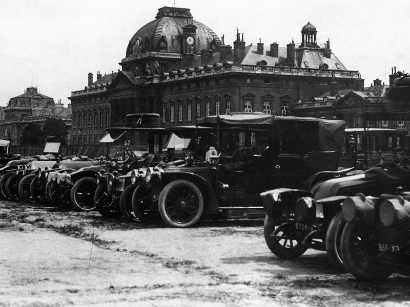 a fleet of taxis did not really save paris from the germans during