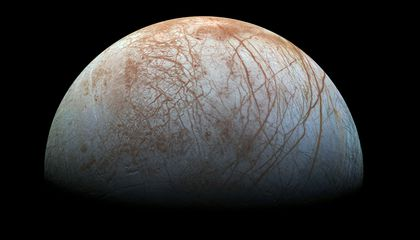 A New Look at Old Data Suggests Europa Shoots Watery Plumes Into Space