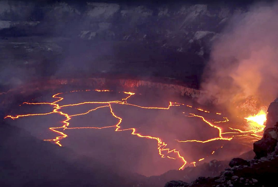 New video shows spectacular lava lake